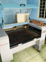 Maquina de corte e gravação a laser