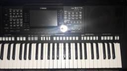 Teclado Arranjador Yamaha PSR-s975