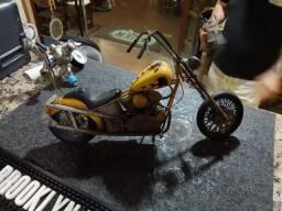 Motos e Posto de Gasolina de Decoração - R$ 200 Cada