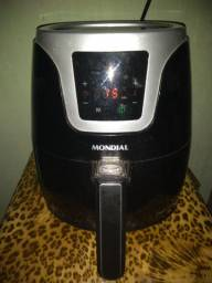 Fritadeira elétrica digital.