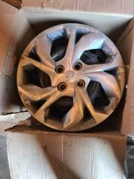 Rodas Originais de Ferro HB 20 15 Com Calotas Originais de Fabrica