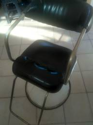 Cadeira hidráulica para cabeleireiros.