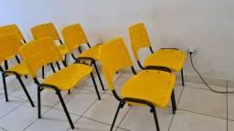 46 Cadeiras fixa