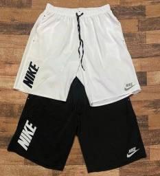 Bermuda Nike e elastano/tectel