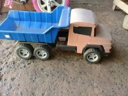 Caminhãozinho brinquedo