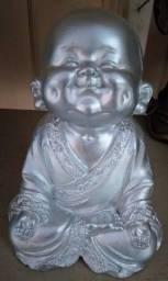 Buda de gesso pintado 20cm