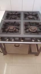 Fogão industrial, freezer, fritadeira