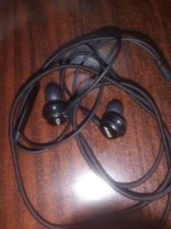 Fone de ouvido AKG headphone novo
