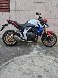 Moto CB1000r muito nova