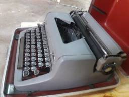 maquina de escrever royal antiga