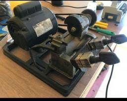 Vendo Maquina de cortar chave copiadora de chave
