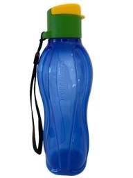 Título do anúncio: Garrafa Tupperware Eco tupper plus Brasil azul 500 ml (com cordinha)
