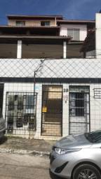 Apartamento Itapuã, nascente, 1/4, sala, cozinha, sanitário e área de serviço
