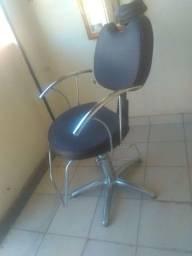 Vendo cadeira para salão, barbearia seminova
