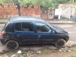 Vendo este Renault Clio, ler a descrição.