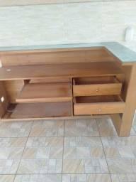 Balcão de madeira / vidro