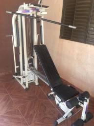 Estação de musculação com mais de 45 opção de exercícios
