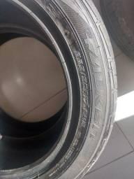 Vendo dois pneus Falken 225/50R17 94w
