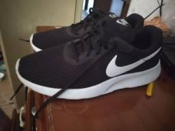 Tênis Nike original!! Não aceito nenhum tipo de oferta !!