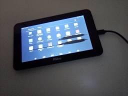 Tablet com marca na tela, só funciona no carregador.