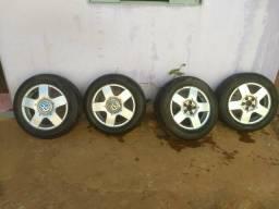Rodas com pneus aro 15