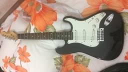 Guitarra Stratocaster Phoenix + Amplificador