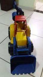 Assento e brinquedo