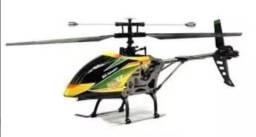 Aeromodelo helicóptero v912
