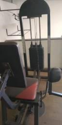 Academia Máquina de musculação