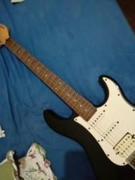 Guitarra Yamaha Stratocaster EG 112