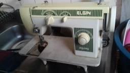Máquinas de costura Desapego