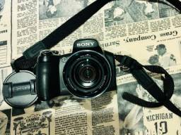 Câmera Fotografica digital Still semi Profissional -Sony