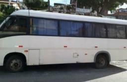 Micro-ônibus com entrada de 30 mil