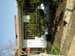Vende terreno com 3 casas em araucaria