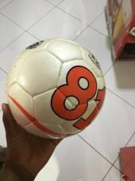 Bola Futsal 81