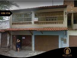 Casa em Lauro de Freitas com 4|4, 01 G e 298M²