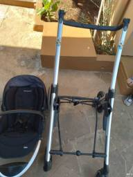 Vendo carrinho de bebê de encaixe