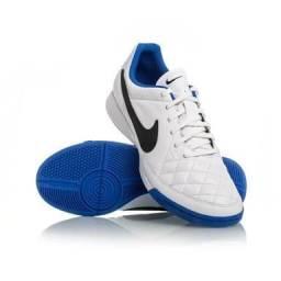 Tênis Nike futsal ótima qualidade