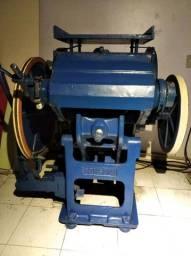 Máquina Corte e Cinco (boca de sapo)<br>marca Consani,<br>Área da faca de corte 500 x 350mm