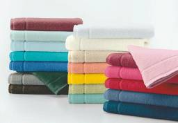 Vende-se conjunto de toalha em acompanhamento com a toalha de rosto