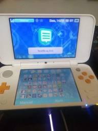 New Nintendo 2ds xl Desbloqueado - 64gb Classe 10 + R4 de 32GB Classe 10