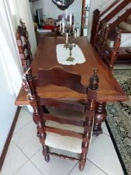 Mesa de madeira maciça 6 lugares