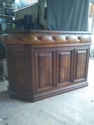 Móvel antigo de madeira