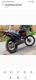 VENDO MOTO FALCON 400