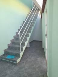 Alugo casa com dois quartos