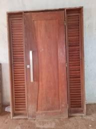 Conjunto.porta e janela em madeira