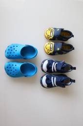 Calçados de bebê tipo carrinho, crock e tipo cano alto. Todos comprados no Japão