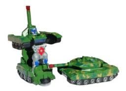 Brinquedo Tanque Carro Vira Robô Bate Volta