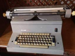 Máquina de escrever elétrica - Vintage