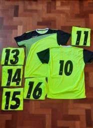 Conjunto de camisas de futebol